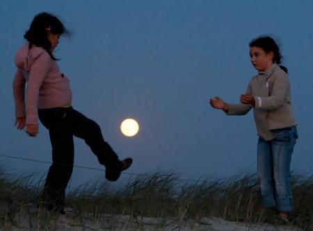 芸術的な月の写真3