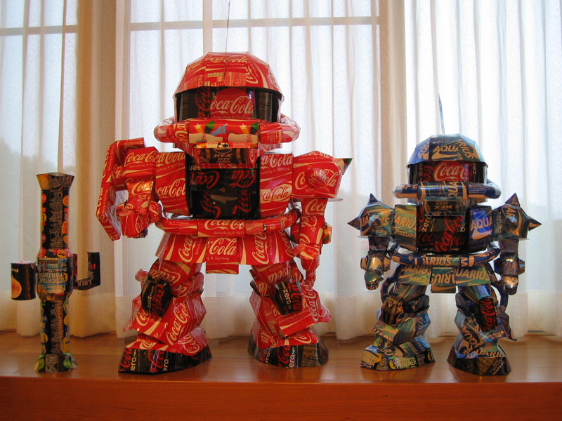 robots-made-from-aluminum-cans-japanese-artist-makaon