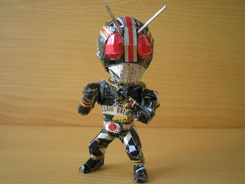 sculpture-made-from-aluminum-cans-japanese-artist-makaon