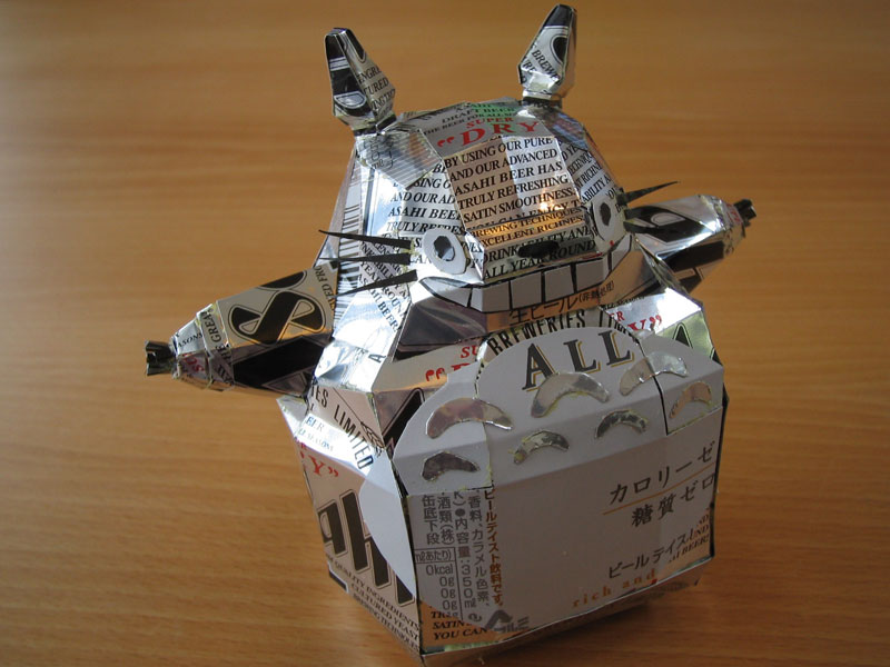 totoro-made-from-aluminum-cans-japanese-artist-makaon