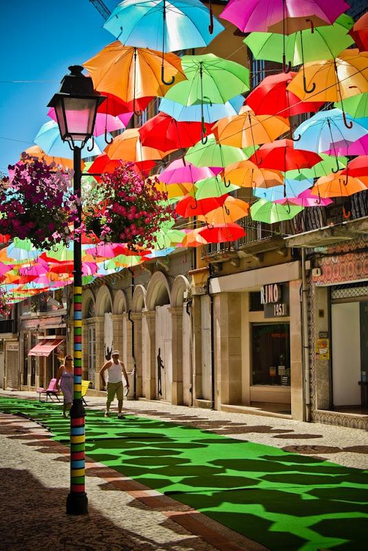 おとぎ話のような風景。ポルトガルアゲダのパラソル3