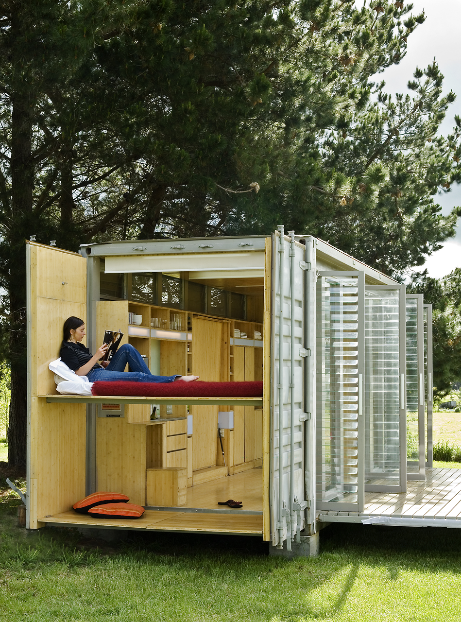 port-a-bach shipping container retreat7