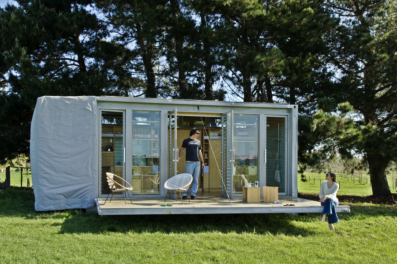 port-a-bach shipping container retreat4