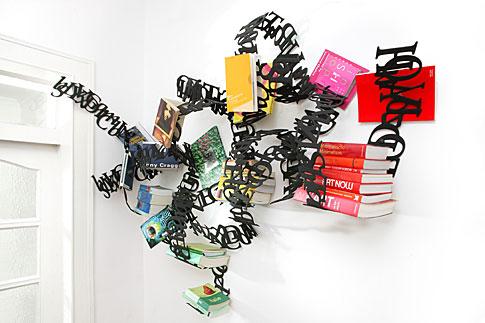 文字で出来た本棚Between Lines4