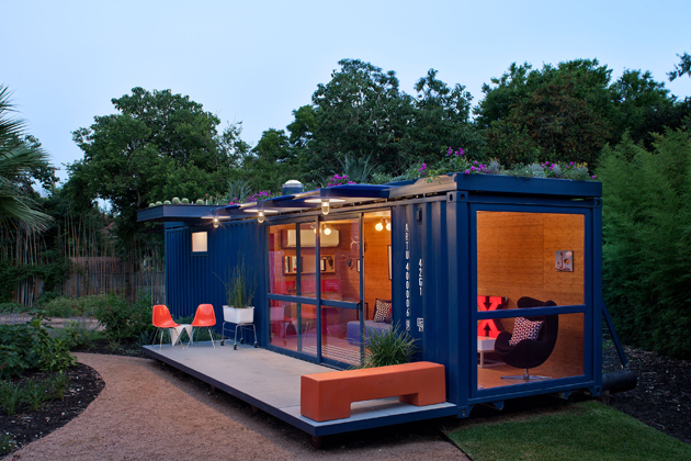 Container Guest House15