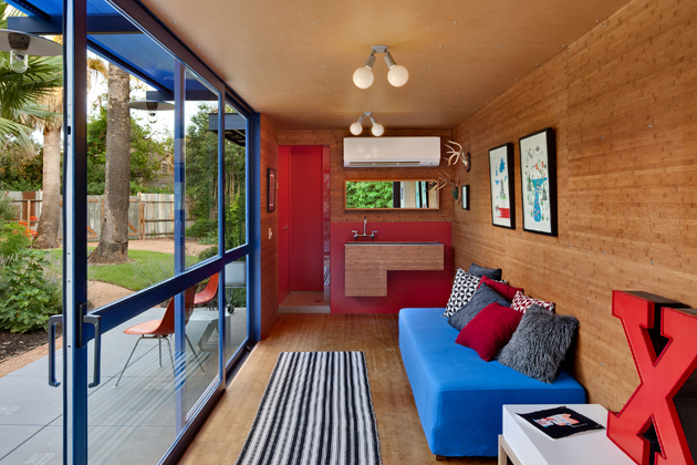 Container Guest House10