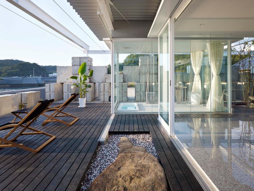 全面ガラス張りの家。潜水士のためのグラス・ハウス26