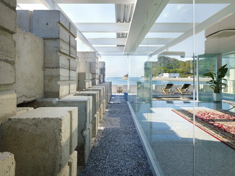 全面ガラス張りの家。潜水士のためのグラス・ハウス22