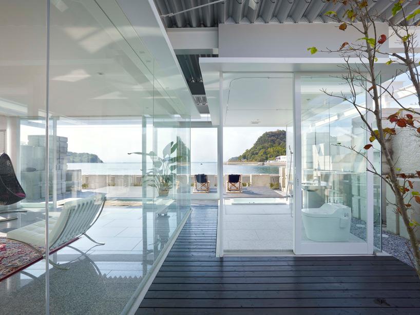全面ガラス張りの家。潜水士のためのグラス・ハウス17