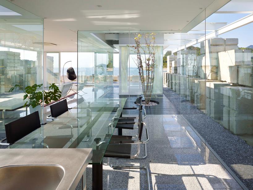 全面ガラス張りの家。潜水士のためのグラス・ハウス13