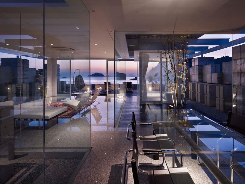 全面ガラス張りの家。潜水士のためのグラス・ハウス14