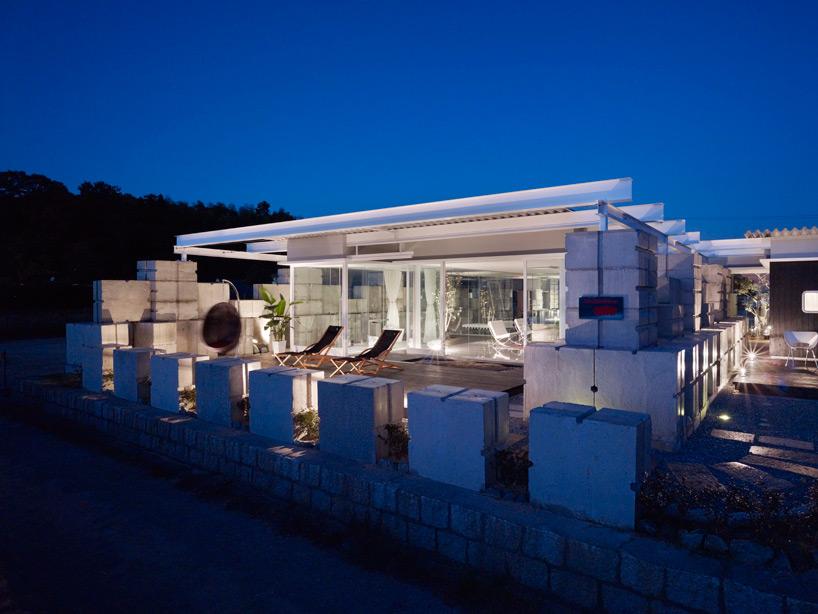 全面ガラス張りの家。潜水士のためのグラス・ハウス25