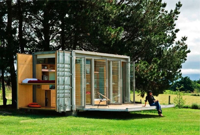 port-a-bach shipping container retreat6