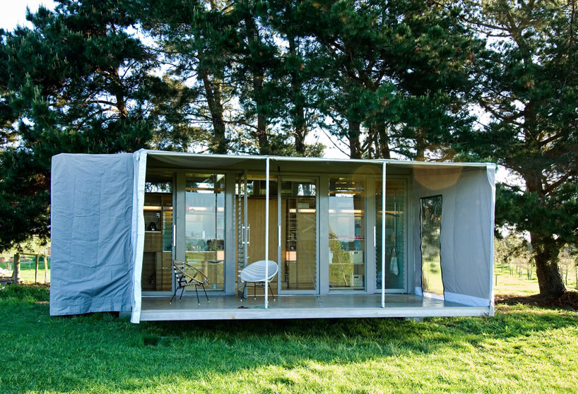 port-a-bach shipping container retreat5