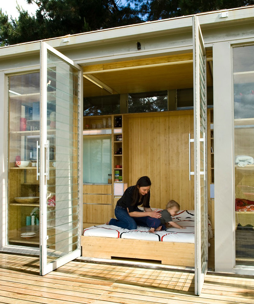 port-a-bach shipping container retreat14
