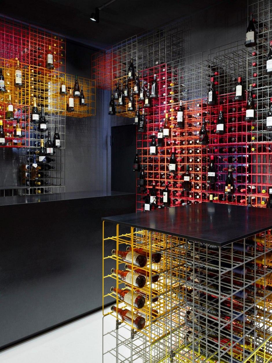 Weinhandlung-Kreis-wine-shop-By-Furch-Gestaltung-Produktion-04