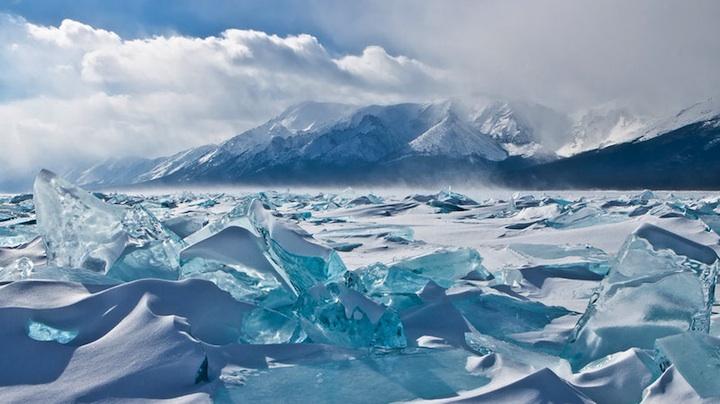 ロシアにある冬のバイカル湖7