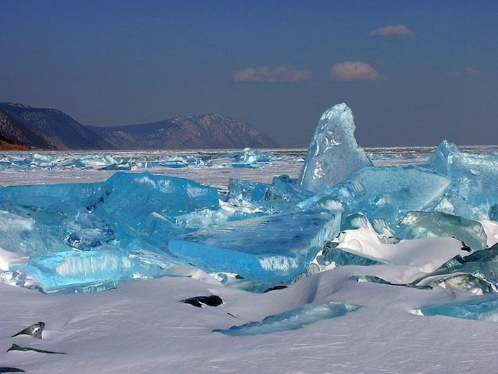 ロシアにある冬のバイカル湖6