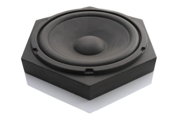 音を吸収するスピーカー