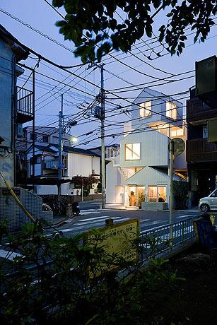 Tokyo-Apt-Fujimoto-藤本壮介の手がけた東京アパートメント18