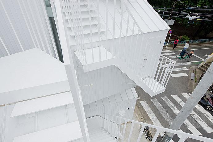 Tokyo-Apt-Fujimoto-藤本壮介の手がけた東京アパートメント4