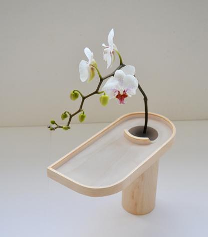 花びらの受け皿がある花瓶2