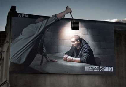 おもわず立ち止まってしまうクリエイティブな広告8