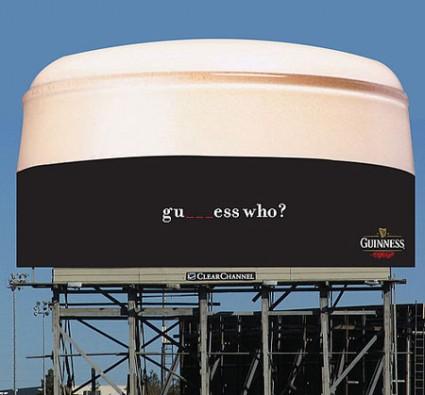 おもわず立ち止まってしまうクリエイティブな広告7