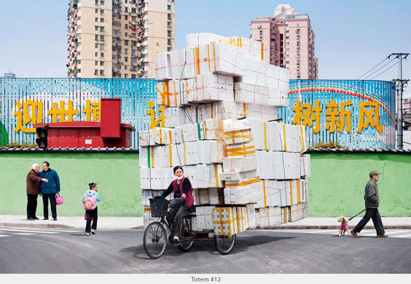 2009年から2010年に撮られた中国上海の出稼ぎ労働者の目を見張るほど素晴らしい光景。8