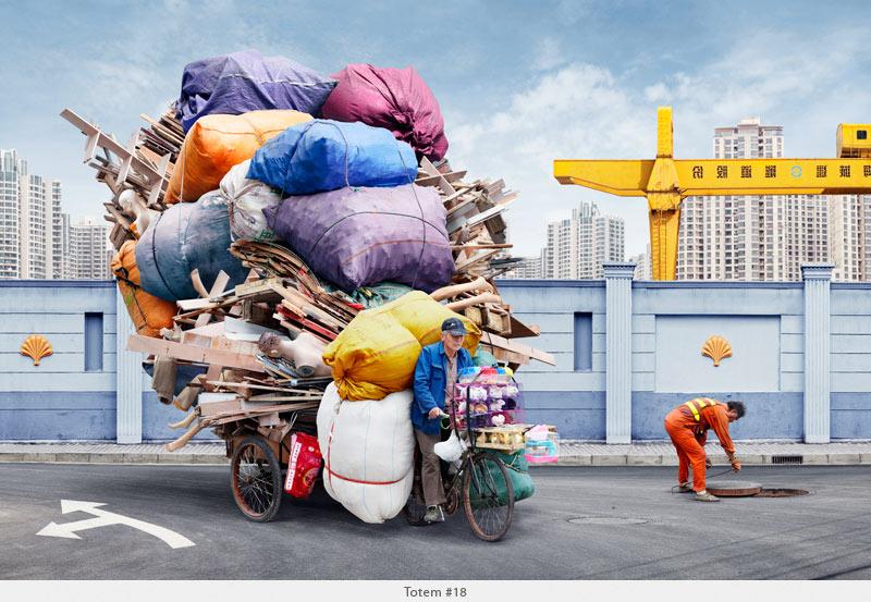 2009年から2010年に撮られた中国上海の出稼ぎ労働者の目を見張るほど素晴らしい光景。6