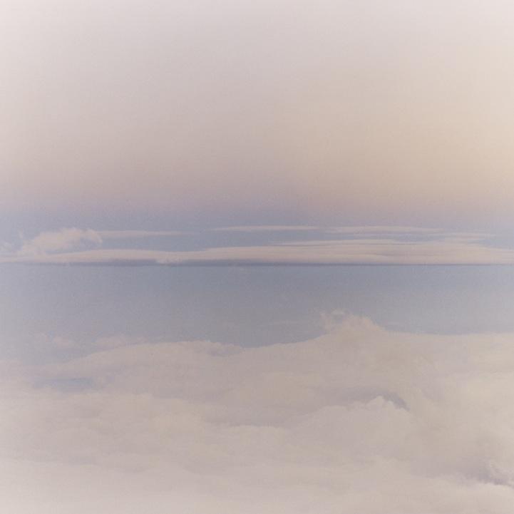 山内悠が標高3000メートルの富士山の山小屋で600日間滞在し撮り続けた息を飲むほど美しい夜明けの写真「夜明け-DAWN-」10