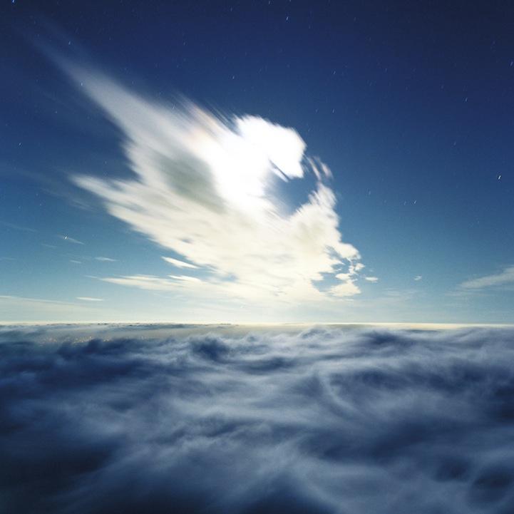 山内悠が標高3000メートルの富士山の山小屋で600日間滞在し撮り続けた息を飲むほど美しい夜明けの写真「夜明け-DAWN-」8