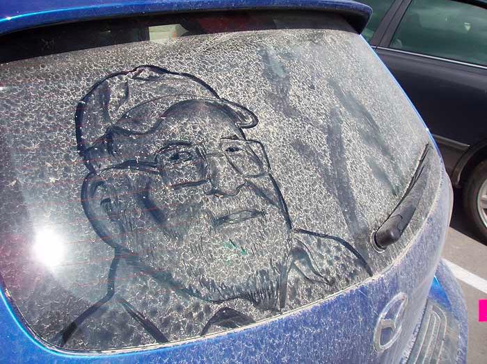 汚れた車に絵を描いた作品「Dirty Car Art」6