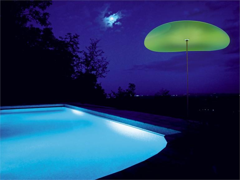 傘のようにあたりを優しく包み込むLED照明 Smoon Ombrella5