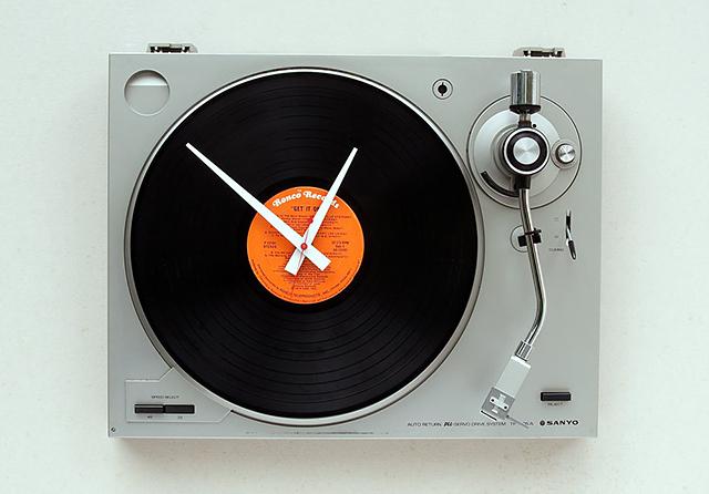 リサイクル品でつくった時計2