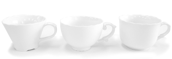 飲むほどにかわいらしい動物が顔をのぞかせるマグカップ「Hidden Animal Teacup」9
