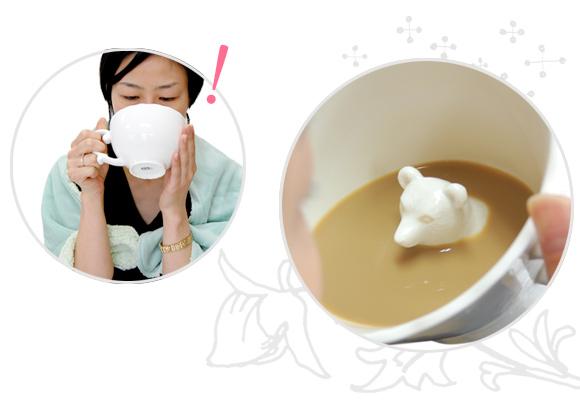 飲むほどにかわいらしい動物が顔をのぞかせるマグカップ「Hidden Animal Teacup」10