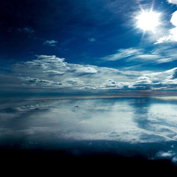 山内悠が標高3000メートルの富士山の山小屋で600日間滞在し撮り続けた息を飲むほど美しい夜明けの写真「夜明け-DAWN-」18