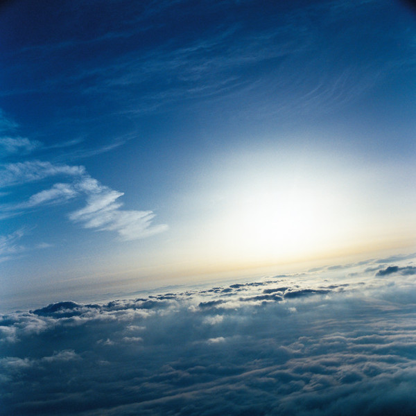 山内悠が標高3000メートルの富士山の山小屋で600日間滞在し撮り続けた息を飲むほど美しい夜明けの写真「夜明け-DAWN-」15