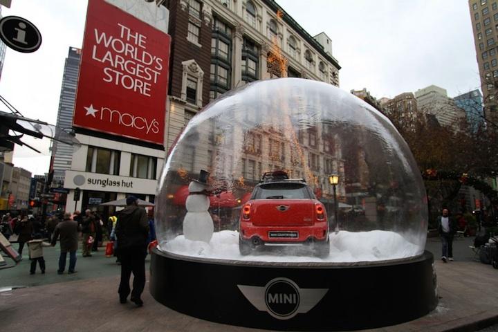 【世界の広告】スノードームに入ったMINIの広告2