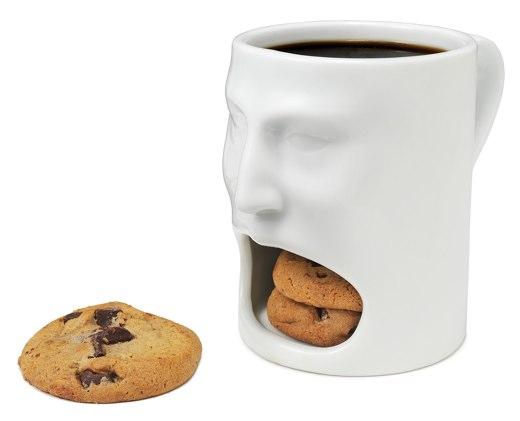 コーヒーとクッキーを同時に楽しめるマグカップFace Mug
