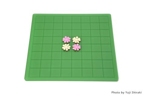 """白と黒ではなく、置く毎に花を咲かせるオセロ(リバーシ)""""garden""""2"""