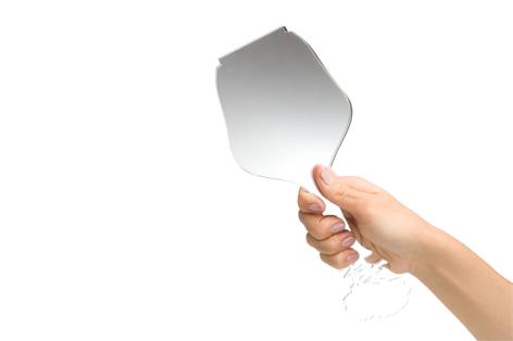 一輪挿しにみえる手鏡3