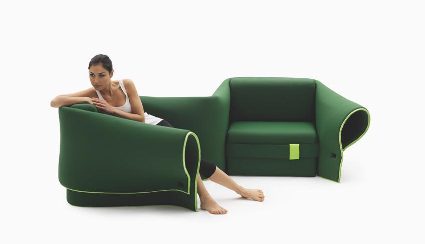 自由自在に形をかえることのできるソファ。