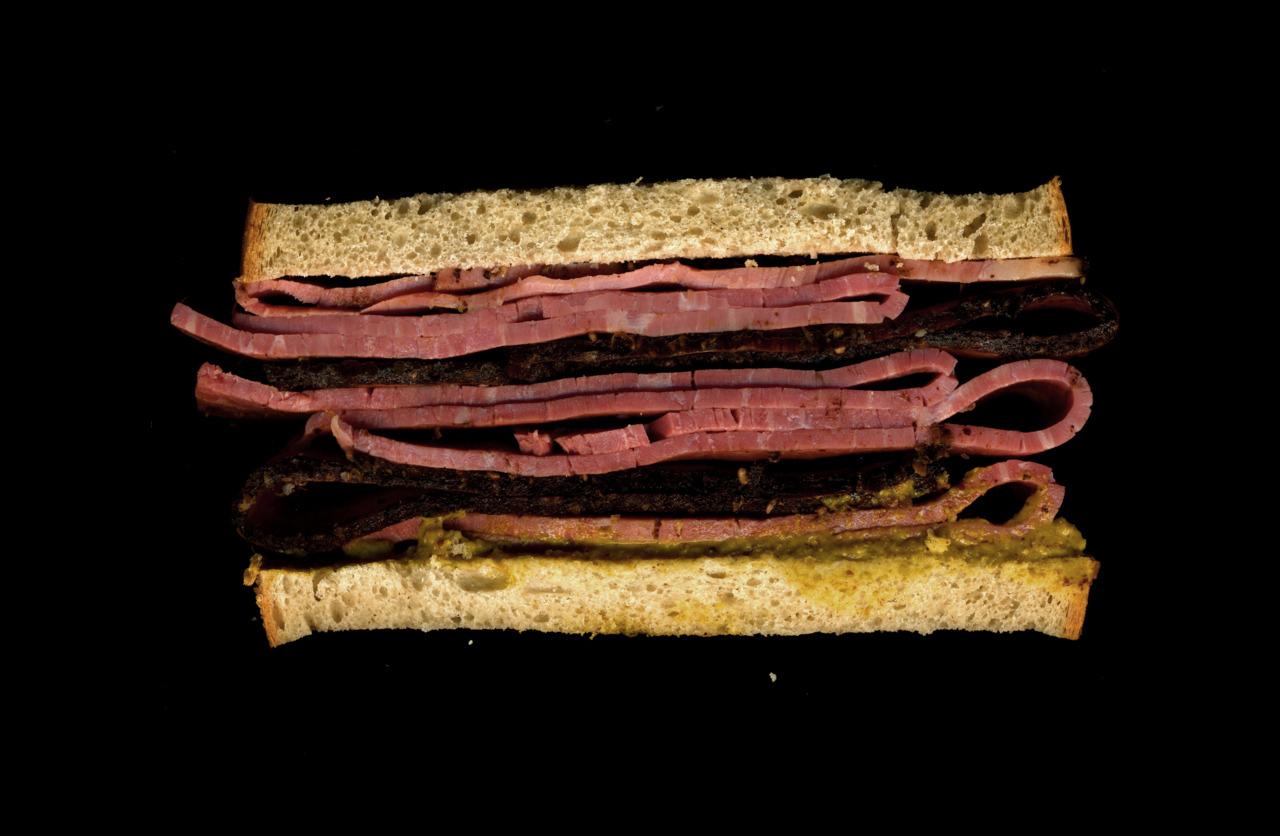 美味しそうなサンドウィッチの断面図14