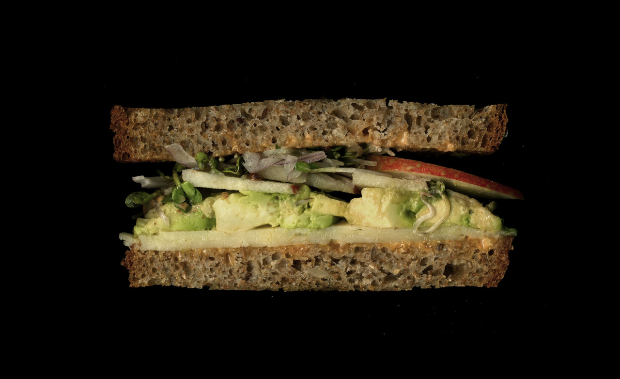 美味しそうなサンドウィッチの断面図12
