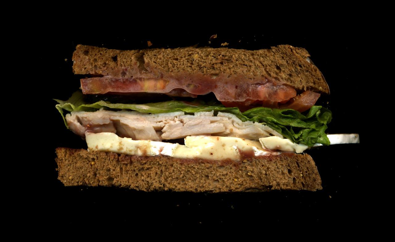 美味しそうなサンドウィッチの断面図10