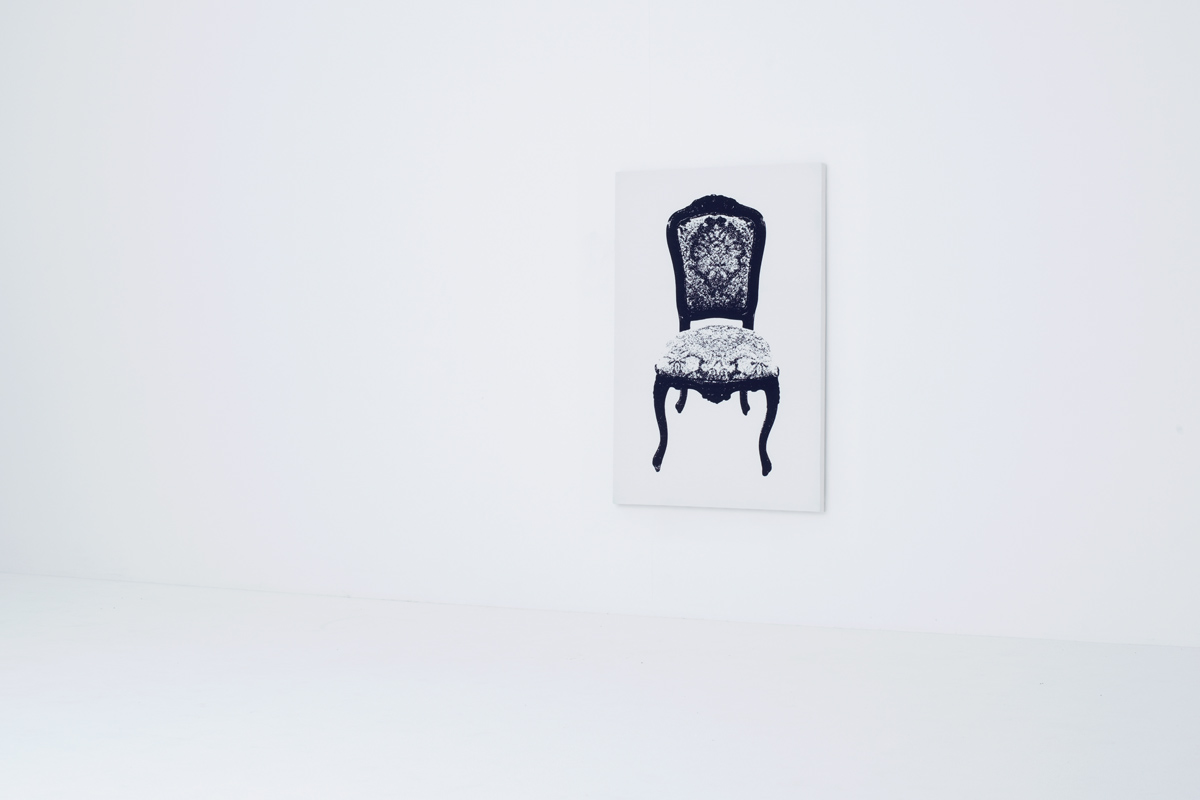 イスの絵が描かれたキャンバス型のイス2