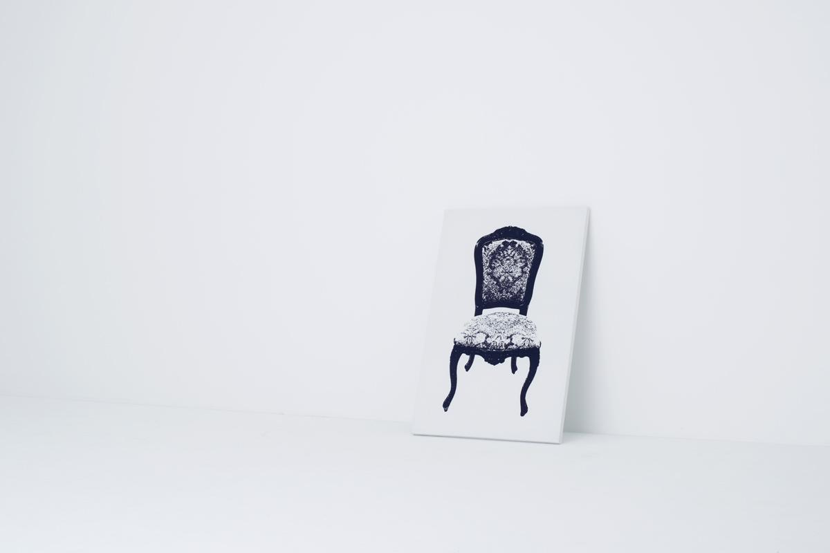 イスの絵が描かれたキャンバス型のイス3