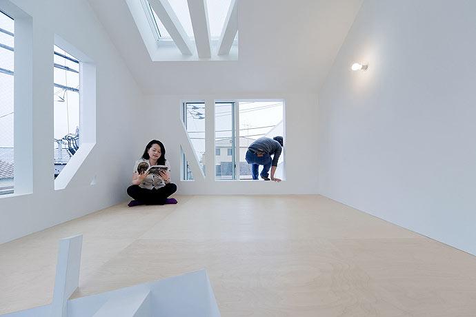 Tokyo-Apt-Fujimoto-藤本壮介の手がけた東京アパートメント13